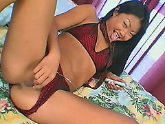 Lucy Lee - Yellow Tail #1 - Scene 1