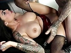 Sex bombshell Tera Patrick gets her pussy stabbed by a monst...