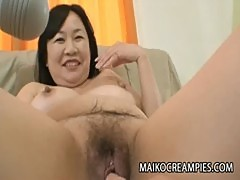 Sensitive Japanese MILF Pussy Of Rumiko Shiga