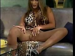 German Lady loves pantyhose jobs