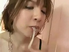 Japanese babe mastrubating and giving blowjob