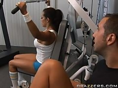 Breath Taking Milf Francesca Le Goes To The Gym To Fuck Her Trainer
